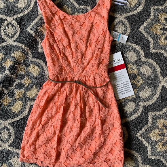 City Triangles Dresses & Skirts - NWT Peach Lace Dress